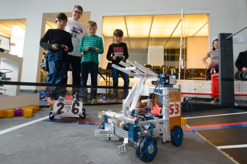 RoboDojo and Community Robotics at the 2014 Sydney Mini Maker Faire. Photo courtesy of Museum of Applied Arts & Sciences.